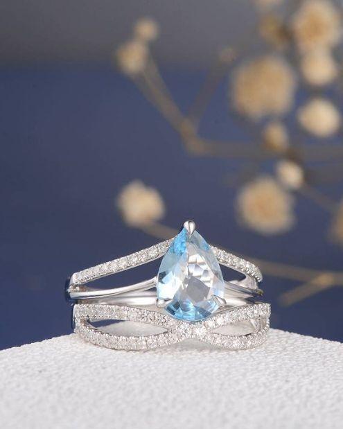 Aquamarine solitaire engagement ring made from 950 Platinum, diamond ring, aquamarine engagement, blue, unique, platinum ring, custom