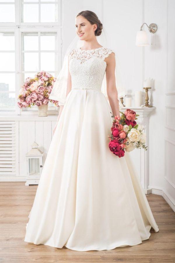 Best Plus Size Wedding Dresses