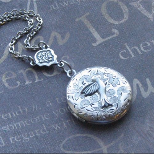 Locket Necklace Jewelry