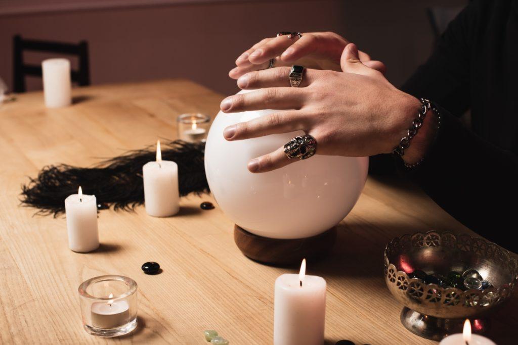psychic wearing moonstone bracelets