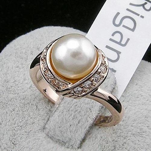 Vintage Rose Gold Pearl Ring