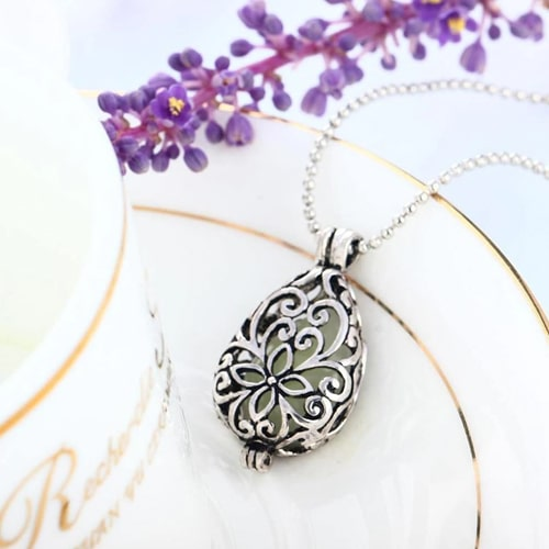 Vintage Teardrop Pendant Women's Necklace