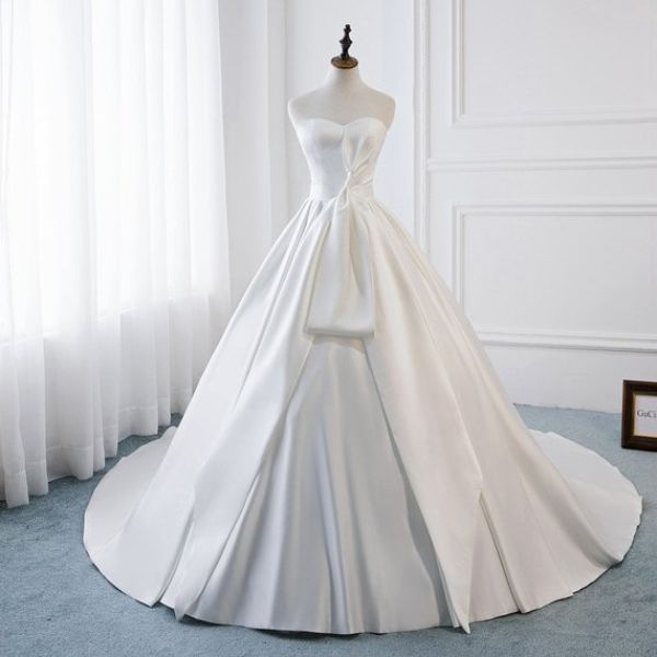 Wedding Dresses Under 500 Pounds
