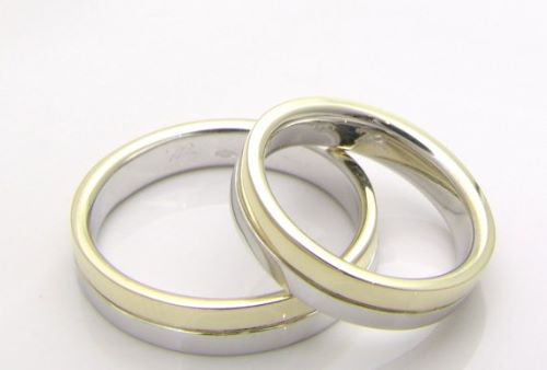 Couple Rings In Malabar Gold