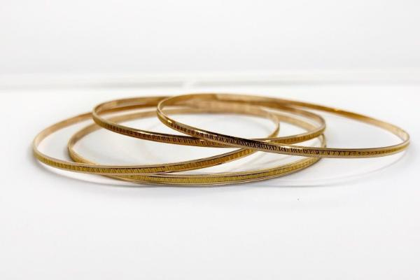 Design Of Gold Bracelet For Female