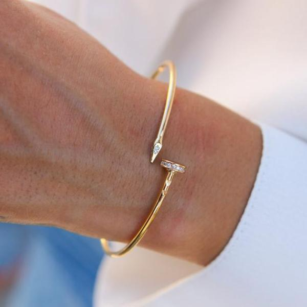 Gold Bracelets For Women Pictures