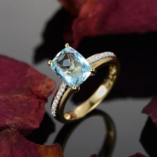 Gold Cubic Zirconia Engagement Rings
