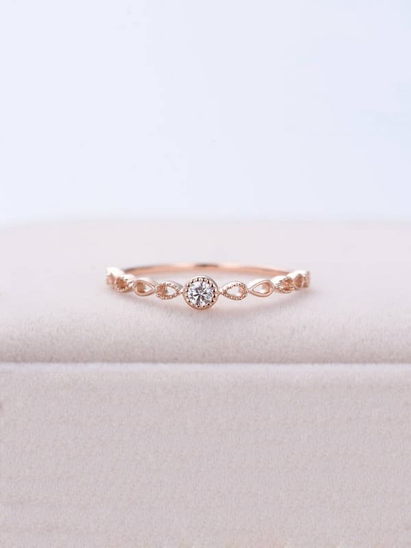 Rose Gold Oval Engagement Rings