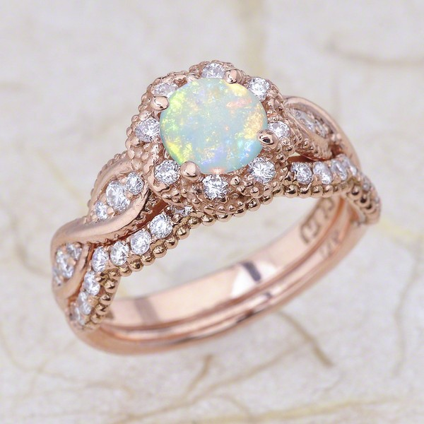 Rose Gold Pear Engagement Rings