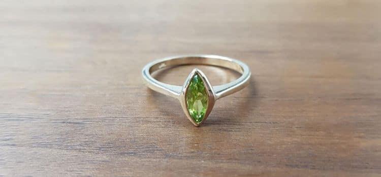 unique peridot ring