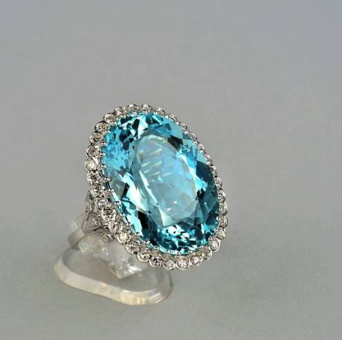 Stunnning jumbo sized 27.00 Ct intense blue aquamarine and diamond vintage ring
